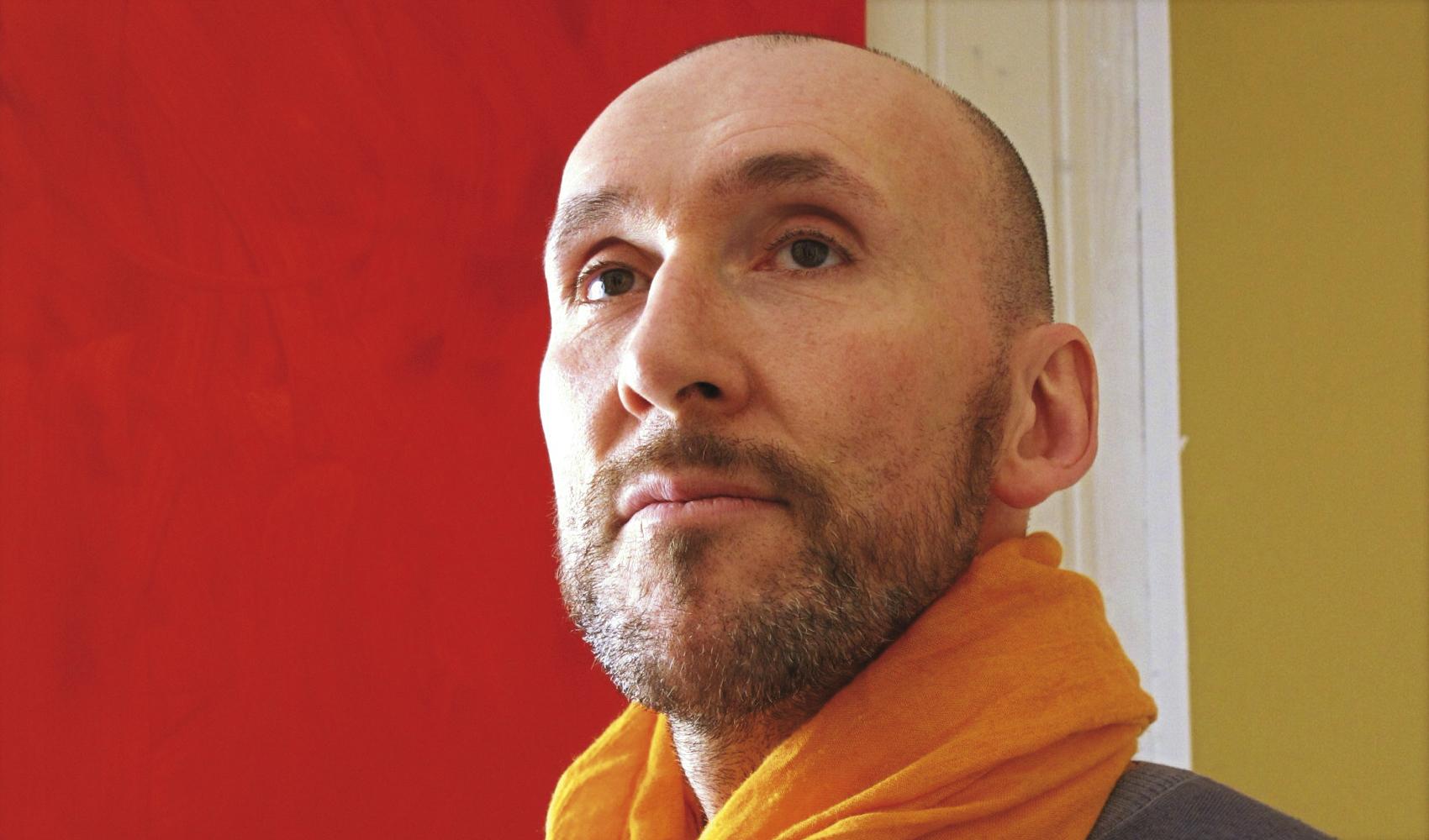 Julien Emmanuel Knauer, Künstler und Heilpraktiker der Psychotherapie